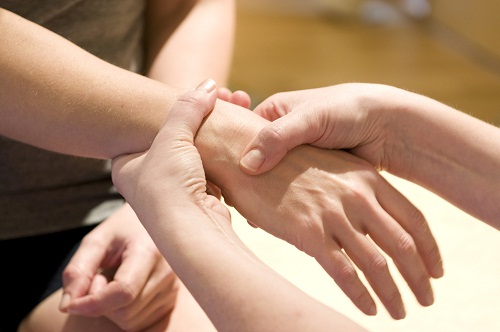 wrist pain treatments dallas